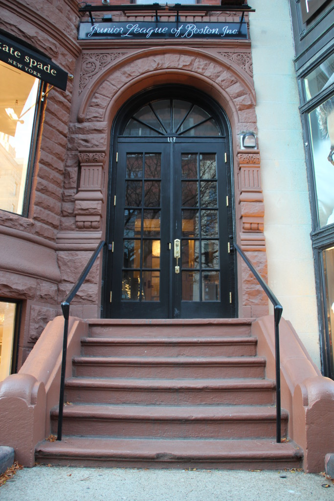 The front door and steps of the Junior League of Boston's headquarter building